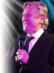 Joe Longthorne at Chequer Mead, East Grinstead