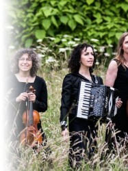 The London Klezmer Quartet at Chequer Mead, East Grinstead